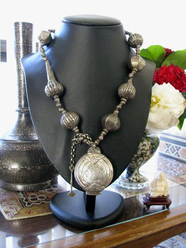 Antique Sri Lanka Necklace, Killotaya, Lime Box Pendant