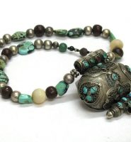 Antique Tibetan Gau Box Necklace, Tibetan Ghau, Tibetan Heirloom Beads, 84 Grams